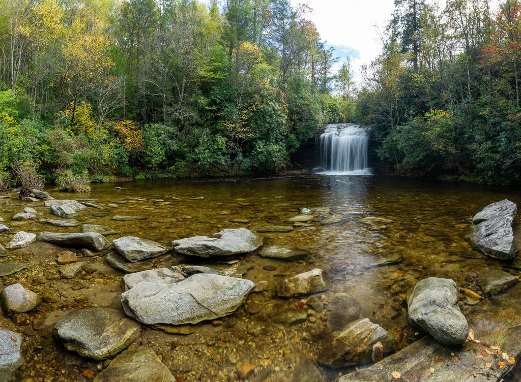 Current inspiration: Some autumn color at Schoolhouse Falls.