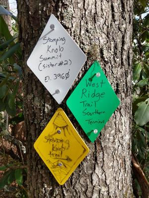 Summit Signs on Stomping Knob